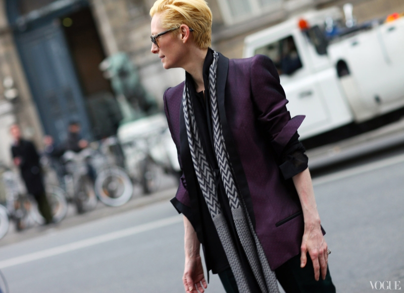 paris-street4-16-tilda-swinton_105306943854