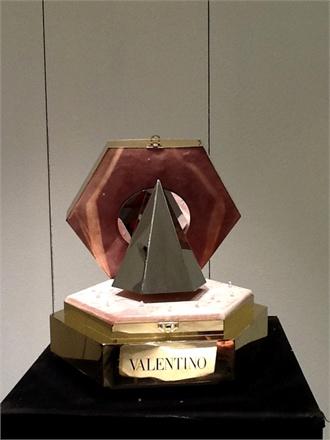 valentino-166238_0x440