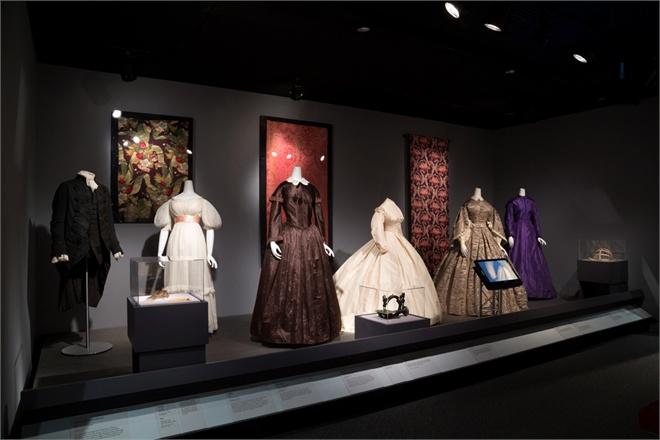 18th-19-th-century-garments-2946434_0x440