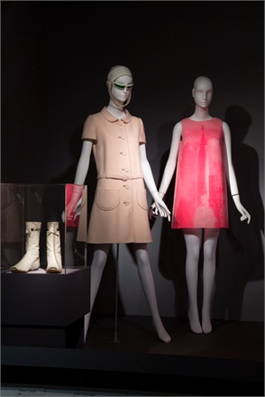 courreges--etc.-106966_0x440