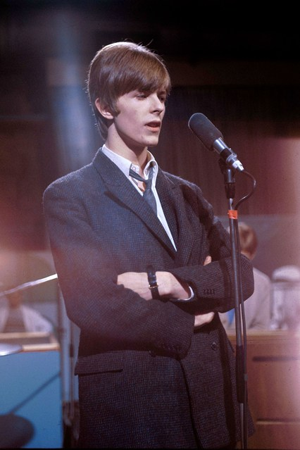 david bowie exhibition at victoria and albert museum-11