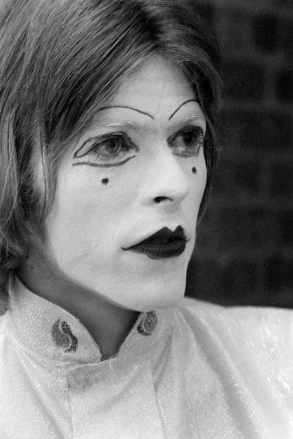 david bowie exhibition at victoria and albert museum-13