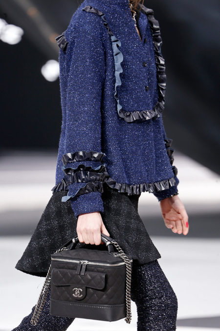 details at chanel 2013 fall-12