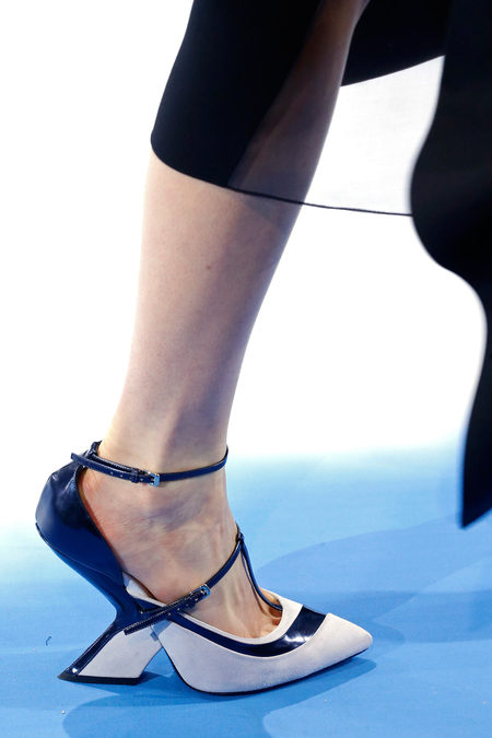 details at christian dior fall 2013-23