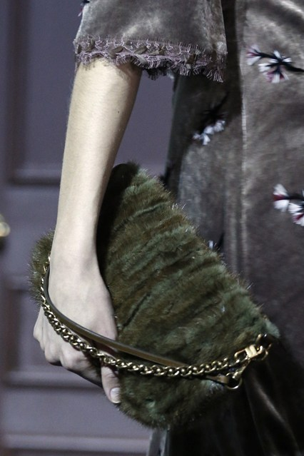 details at louis vuitton fall 2013-11