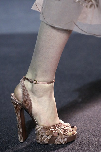 details at louis vuitton fall 2013-20