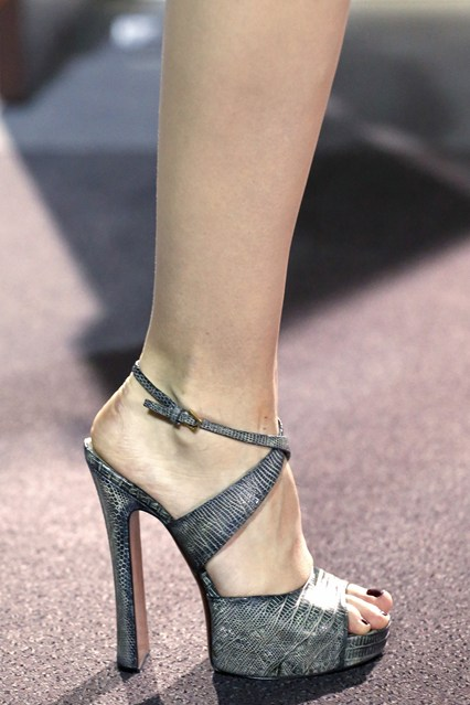 details at louis vuitton fall 2013-21