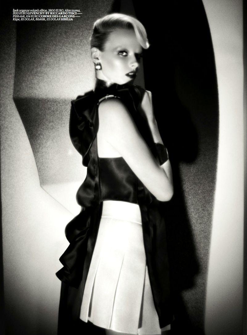 Elza Luijendijk by Val & Musso for Vogue Turkey March 2013-1