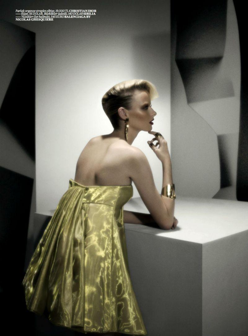 Elza Luijendijk by Val & Musso for Vogue Turkey March 2013-3