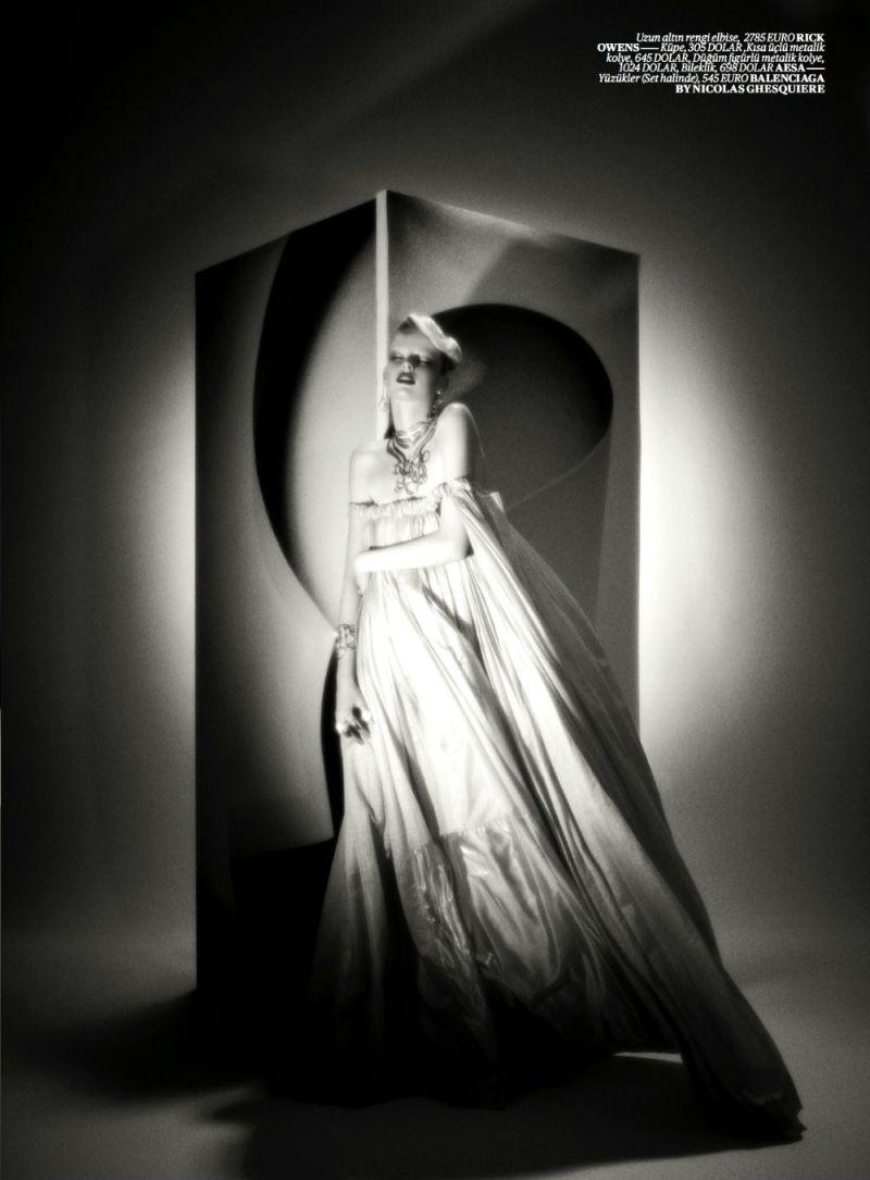 Elza Luijendijk by Val & Musso for Vogue Turkey March 2013-4
