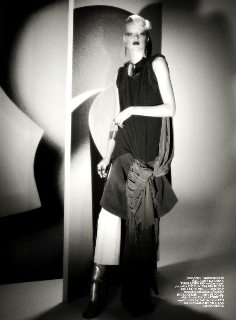 Elza Luijendijk by Val & Musso for Vogue Turkey March 2013-7