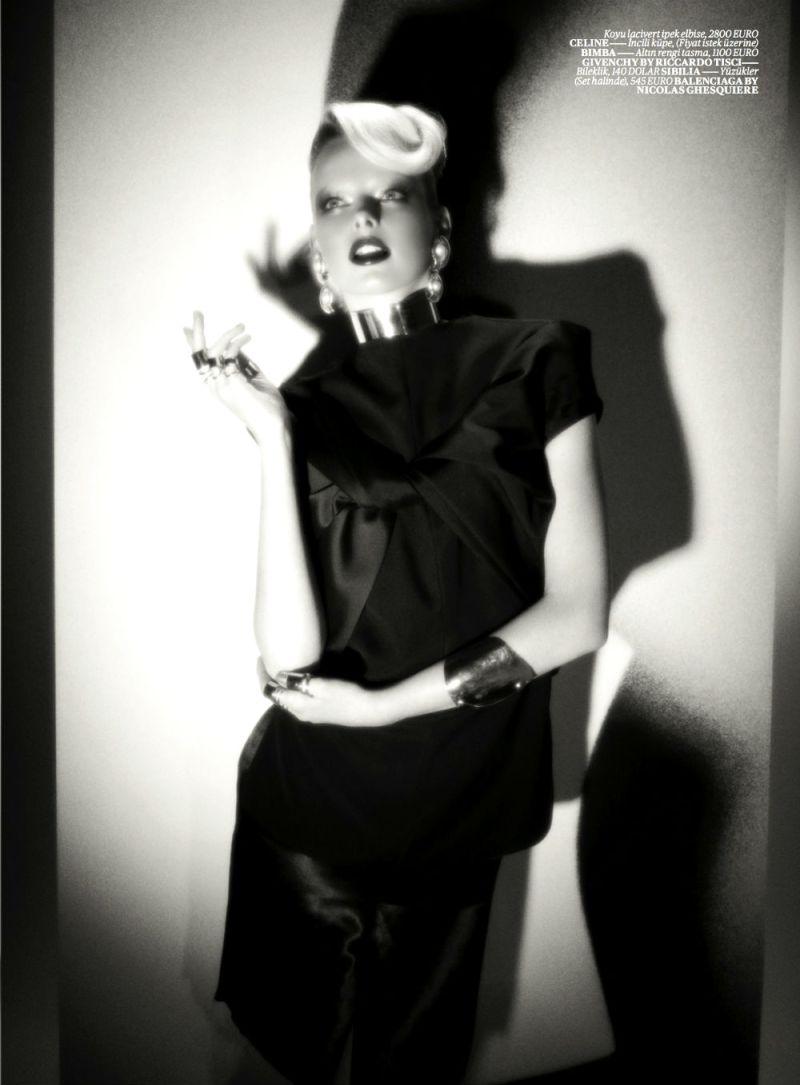 Elza Luijendijk by Val & Musso for Vogue Turkey March 2013-9