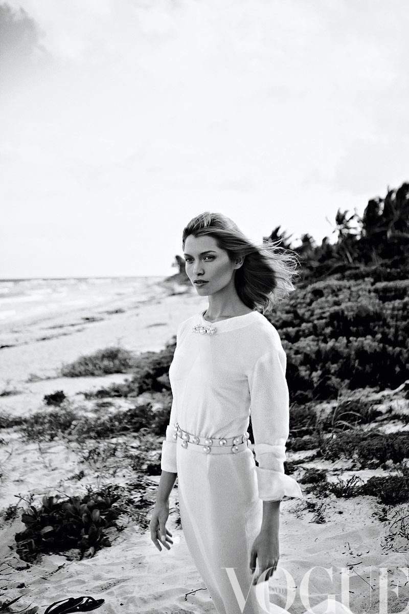 Vogue Mexico : Dar En El Blanco