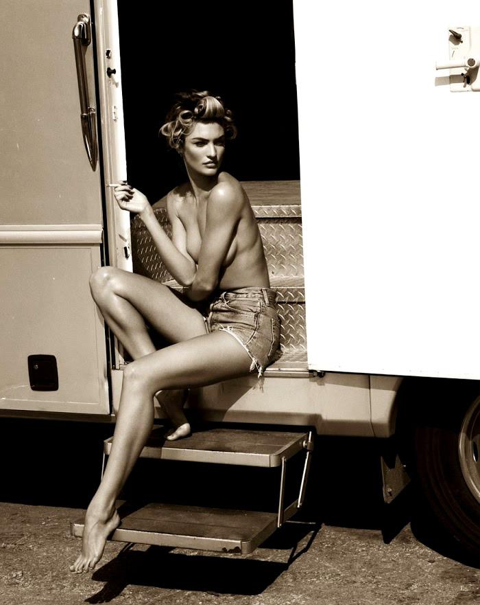 Vogue Spain - Sexy Tan-6