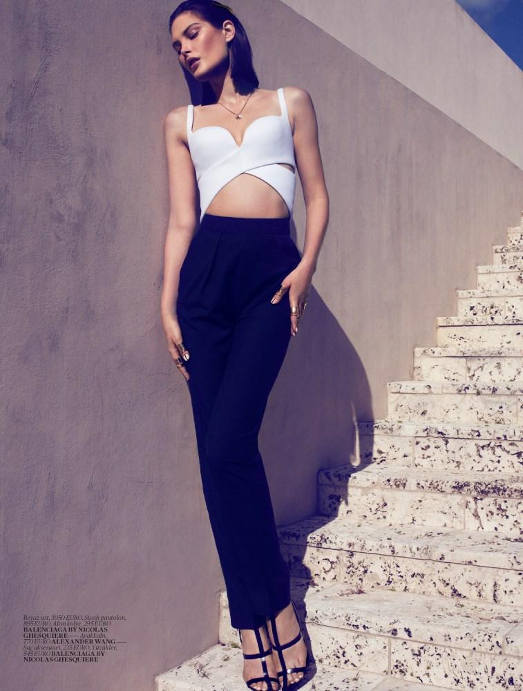 Vogue Turkey - Black And White-1