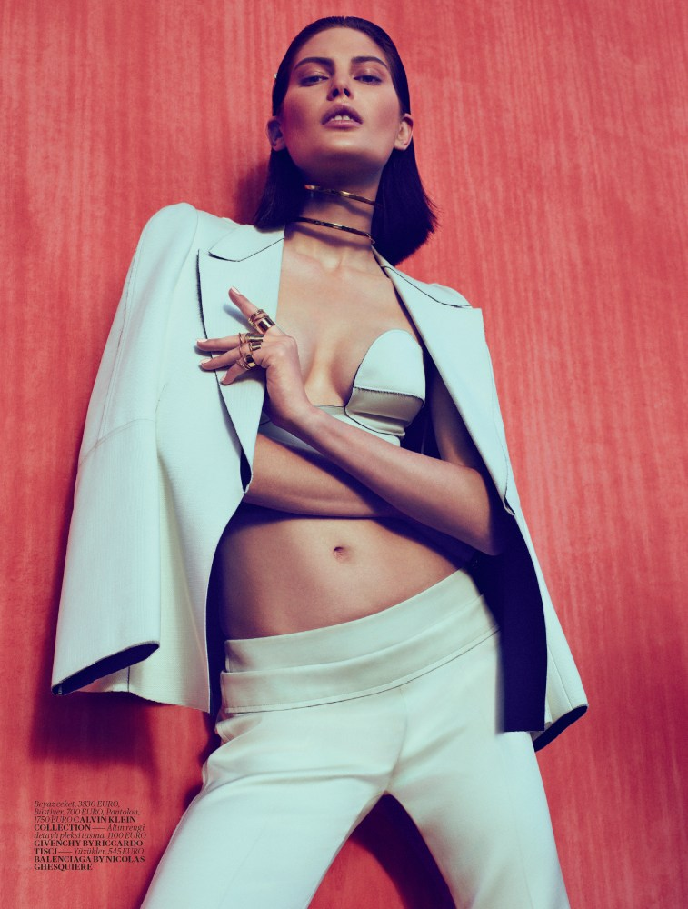 Vogue Turkey - Black And White