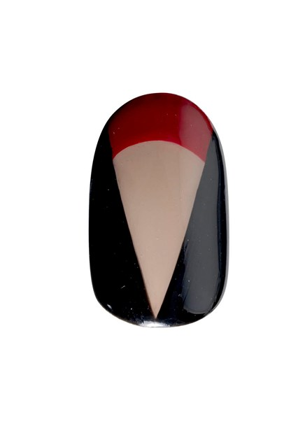 A V-neck nail design inspired by the look