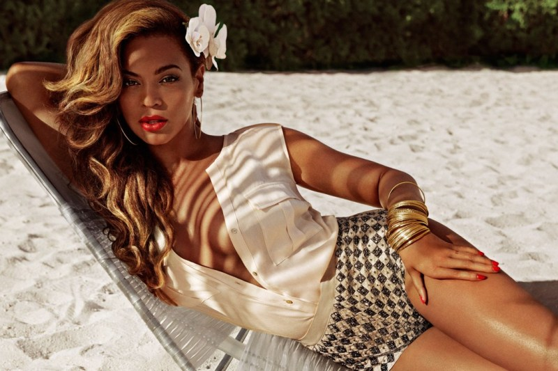 Beyoncé For H&M Summer 2013 Campaign-2