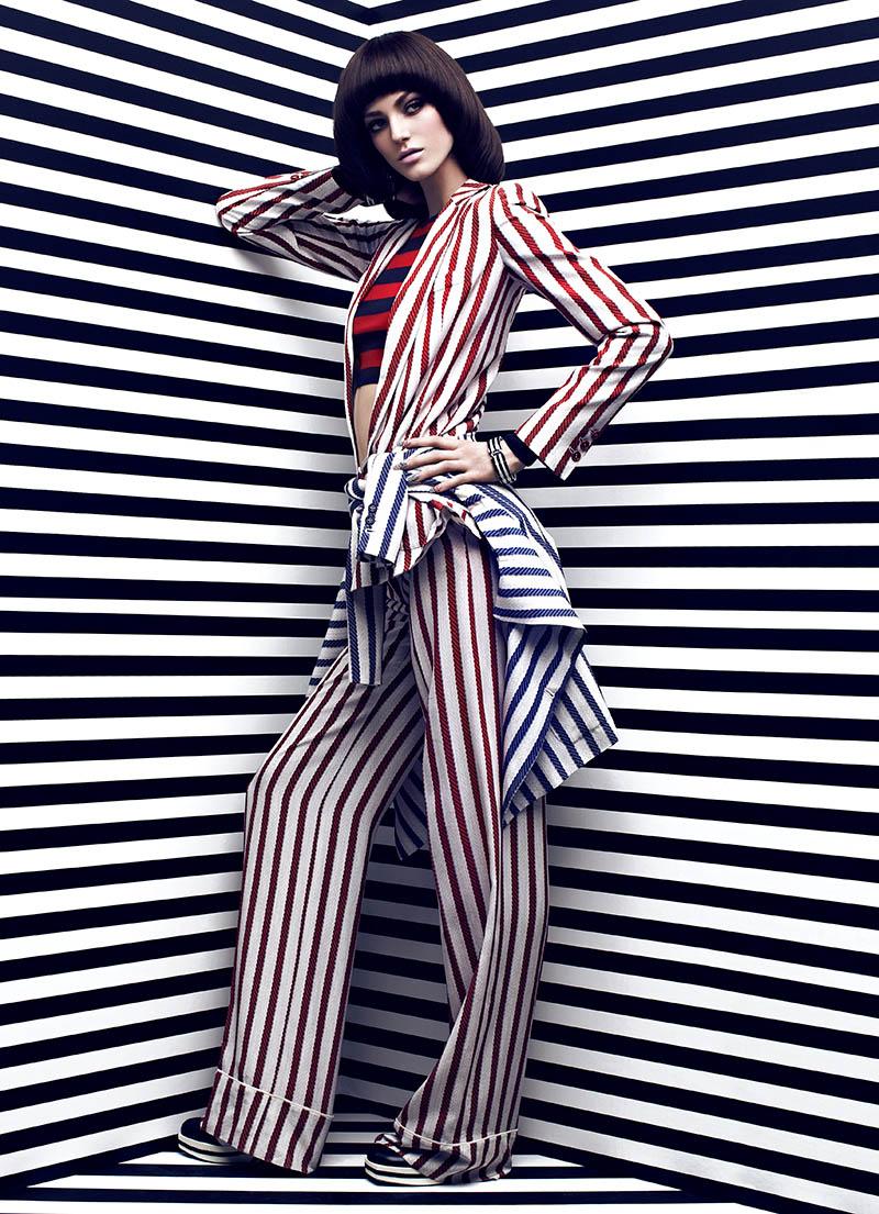 Fashion Magazine : High Contrast