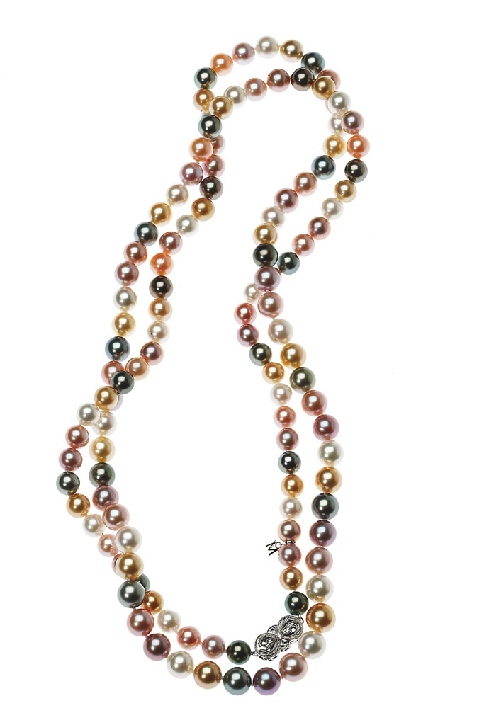 120 multistrand South Sea and freshwater cultured pearls with 18-karat white gold clasp.Photo by John Aquino