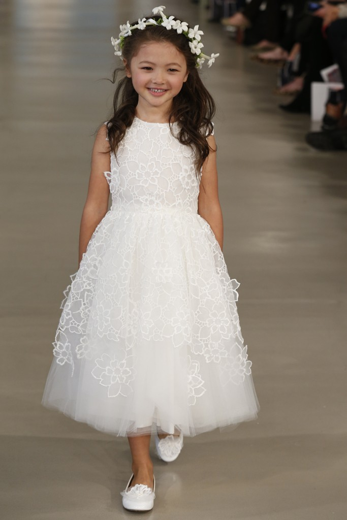 Oscar de la Renta Bridal Spring 2014 Photo by John Aquino
