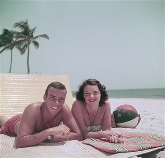 Peter Pulitzer with wife Lilly, in Palm Beach, Florida, 1955 photo by Slim Aarons