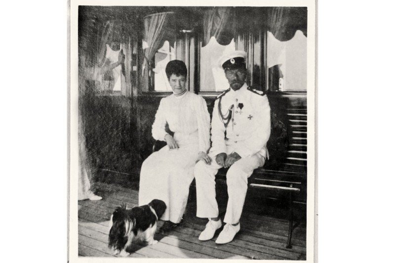 Tsar Nicholas and Alexandra II on the royal yacht Standard, 1912.Photo by An album belonging to Anna Vyrubov/Libaray of Congress, Prints & Photographs Division, Washington, D.C.