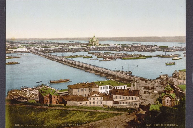 Nizhny Novgorod, the Fair Bridge, now the Kanavinski Bridge, over the Oka, c. 1890 to 1900.Photo by Imagno/Austrian Archives, Vienna