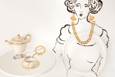 Vogue Gioiello : Golden Housewife