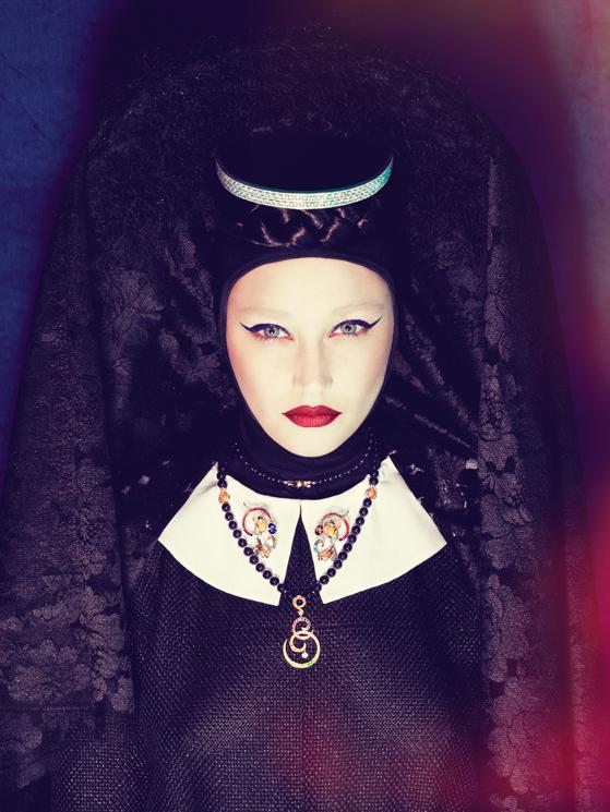 Vogue Gioiello - Malicious And Precious