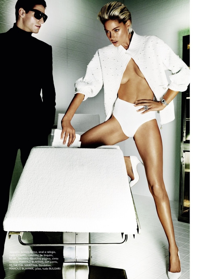 Doutzen Kroes for by Mario Testino for Vogue Brazil June 2013-8
