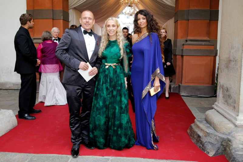 VIENNA, AUSTRIA - MAY 25: (L-R) Gery Keszler, Franca Sozzani and guest attend the 'AIDS Solidarity Gala 2013' at Hofburg Vienna on May 25, 2013 in Vienna, Austria.  (Photo by Thomas Niedermueller/Life Ball 2013/Getty Images)