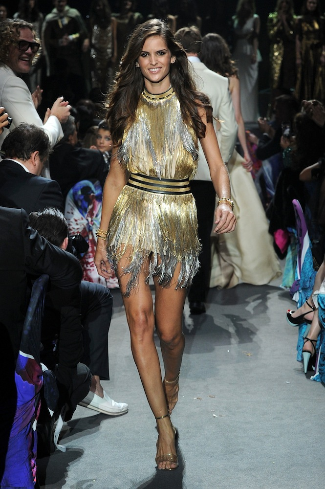 izabel goulart in versace