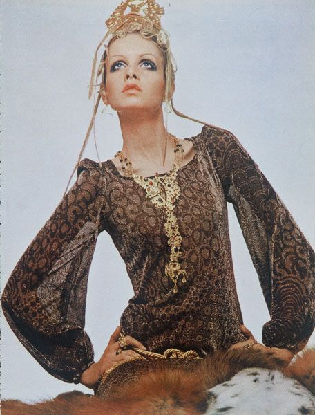 A portrait of Twiggy by Justin de Villeneuve , 1969