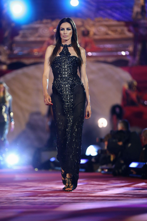 VIENNA, AUSTRIA - MAY 25:  Nieves Alvarez walks the catwalk during the 'Life Ball 2013 - Show' at City Hall on May 25, 2013 in Vienna, Austria.  (Photo by Sean Gallup/Life Ball 2013/Getty Images)