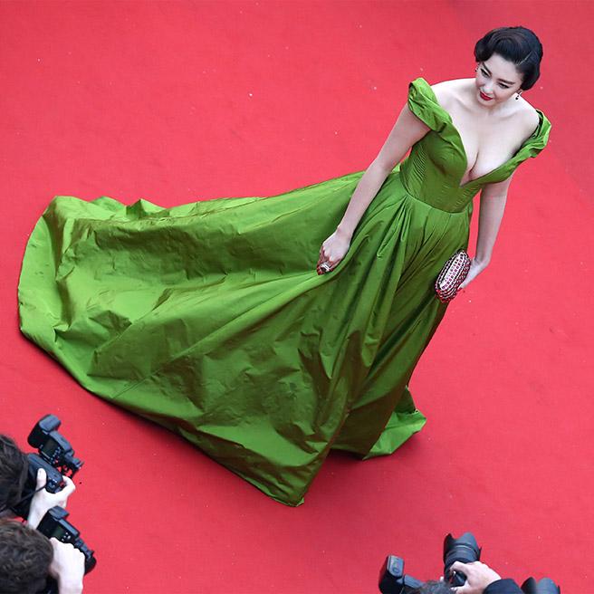 Zhang Yuqi, in Ulyana Sergeenko Couture