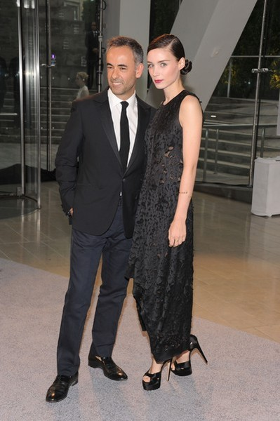 Designer Francisco Costa (L) and actress Rooney Mara attend 2013 CFDA Fashion Awards at Alice Tully Hall on June 3, 2013 in New York City. (Photo by Jamie McCarthy/Getty Images)