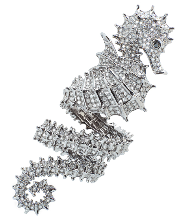 Elise Dray White gold Hippocampe ring with diamonds. Photo courtesy press office