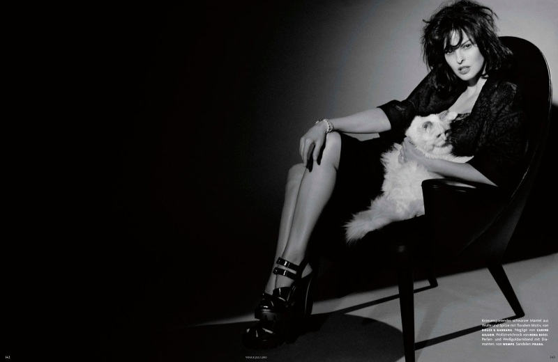 Linda Evangelista by Karl Lagerfeld for Vogue Germany July 2013 -4