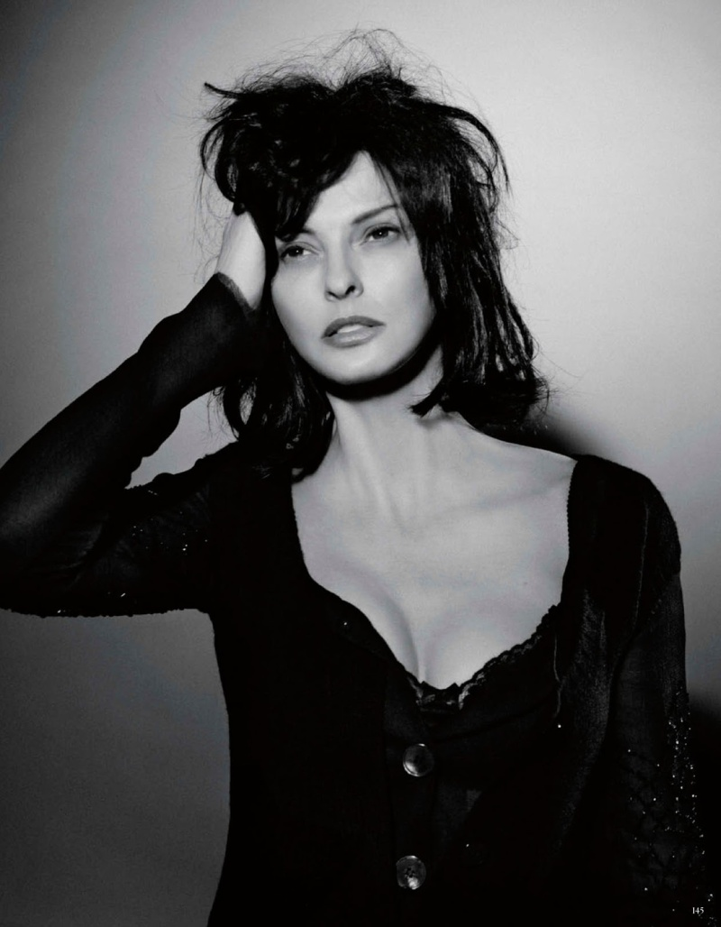 Linda Evangelista by Karl Lagerfeld for Vogue Germany July 2013 -6