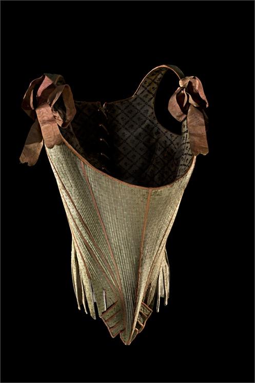 Corps à baleines 1770-1780 Les Arts Décoratifs © Patricia Canino