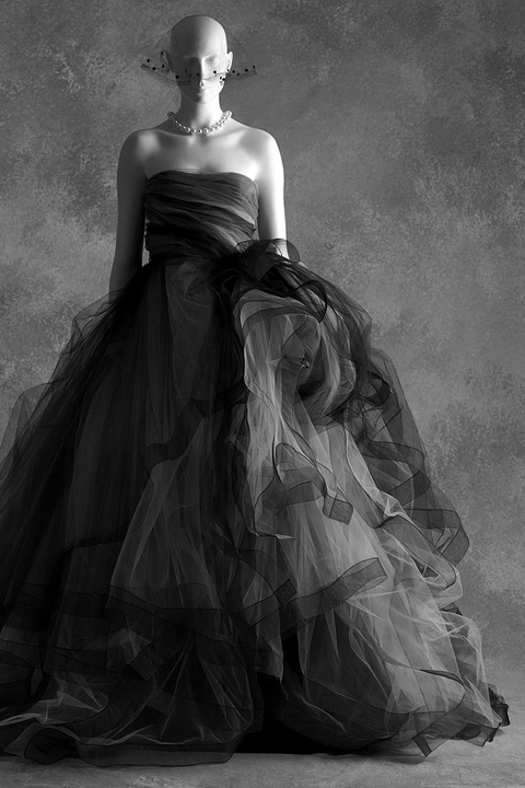 THE LITTLE BLACK DRESS exhibition Oscar De La Renta ,F/W 2012 photo SCAD Museum