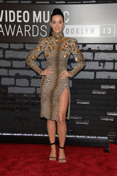 Katy Perry in Emanuel Ungaro attends the 2013 MTV Video Music Awards at the Barclays Center on August 25, 2013 in the Brooklyn borough of New York City.  (Photo by Jamie McCarthy/Getty Images for MTV)
