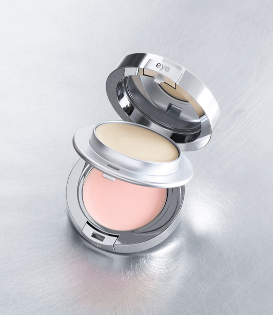 Le Prairie's Perfection à Porter eye and lip anti-aging compact, €126.