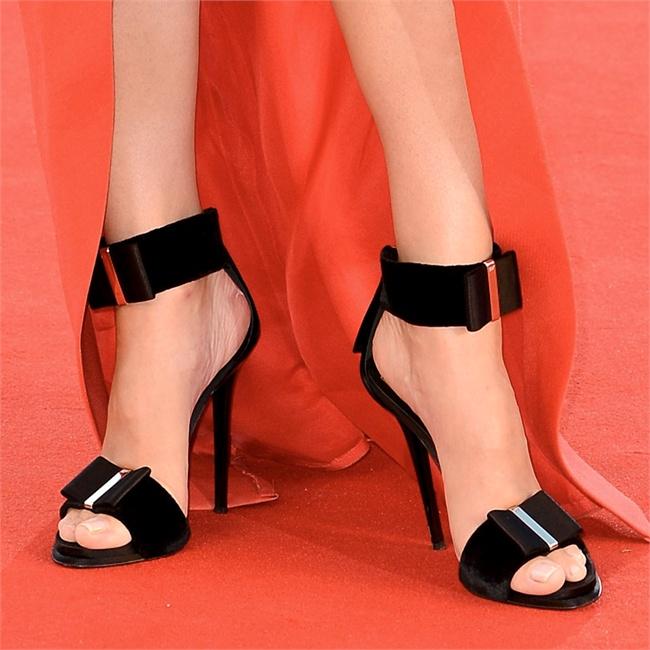 Roger Vivier sandals for Sandra Bullock