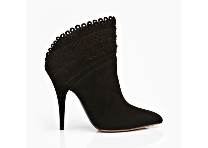 Tabitha Simmons  Lambskin boots, €895.