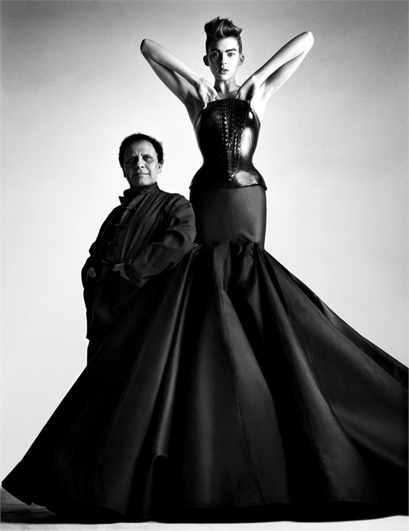 Azzedine Alaïa - Fall/Winter 2003 Azzedine Alaïa archives © Patrick Demarchelier