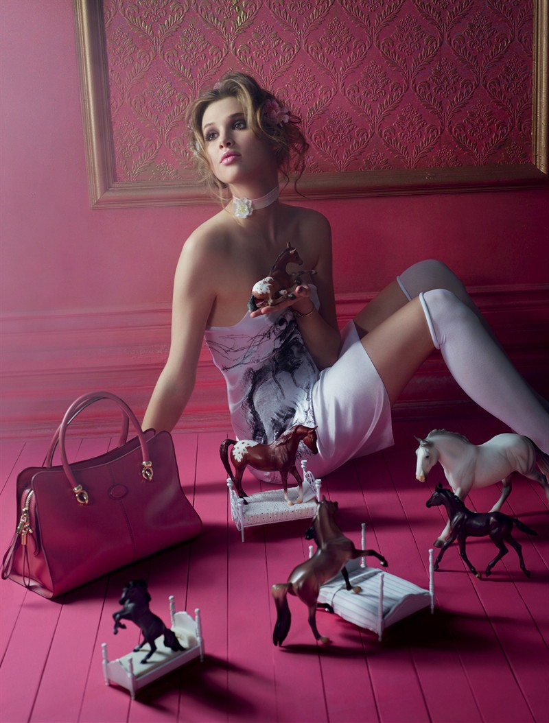 """""""Pop Touch"""" by David LaChapelle for Tod's Sella bag"""