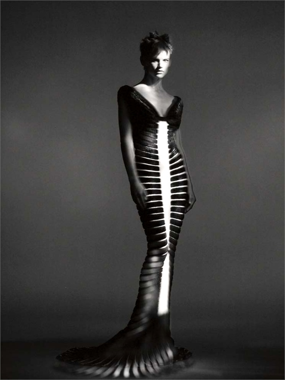 Alaïa dress - Spring:Summer 1994 Azzedine Alaïa archives © Paolo Roversi, 2013