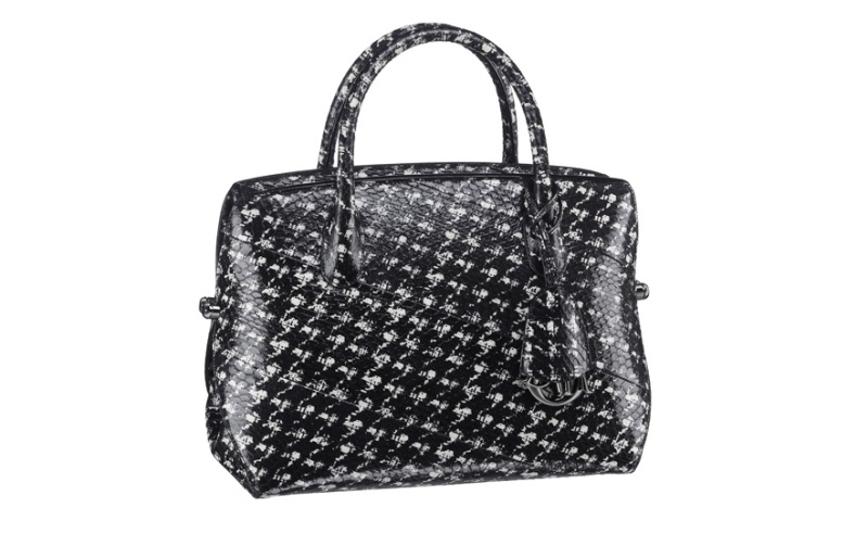 Christian Dior  Houndstooth print snakeskin Dior Bar bag, €4800